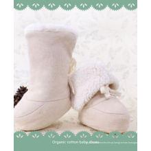 Sapatos de algodão orgânico bebê quente e macio de inverno com design encantador
