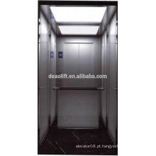 Máquina elevador sem casa com 4 pessoas