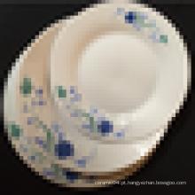 prato de porcelana branca lisa