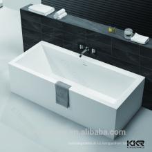 современный дизайн ванной комнаты твердые поверхностные красные отдельно стоящая ванна