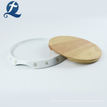Plaque en céramique ronde personnalisée avec plat en bois