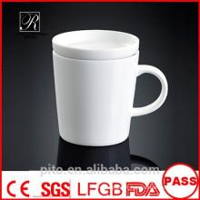 Tasses en céramique d'usine P & T, tasses à café, tasses blanches avec couvercle, conception personnalisée