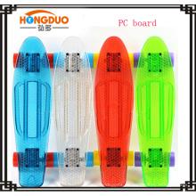 22 '' crucero de plástico de 4 ruedas patineta