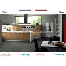 Cabinet de cuisine Luccart Factory Design avec comptoir en acrylique blanc, porte en placage de teck