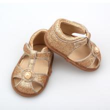 Gouden glitter babysandalen zomer