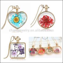 Especial inovadora forma coração colar redonda locket com flores secas pingente de colar de presente de Natal para as crianças mulheres