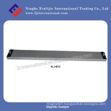 Hang-Type Magnetic Sweeper