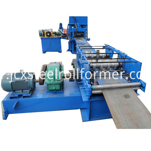 Highway Crash Barrier Machine