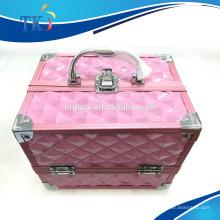 trousse à maquillage en aluminium rose avec poignée