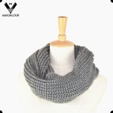 Зимний теплый вязаный шейный платок