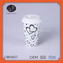 Vente chaude de tasse en céramique blanche et blanc avec couvercle en silicone