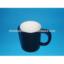 Taza de café redondeada vidriada color-esmaltada de la porcelana de los regalos con diseño de encargo