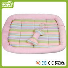 Almofada e cama do cão de animal de estimação confortável morna
