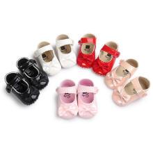 Zapatos de bebé antideslizantes de 5 colores con suela suave de PU Mocasines para niños pequeños