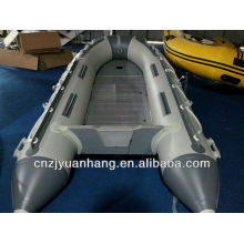 4 pessoas esporte barco inflável
