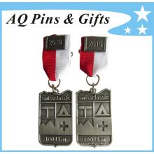 Medallón de la insignia del metal de la maratón con la galjanoplastia de plata antigua (insignia-129)