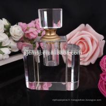 Usine de porcelaine de charme rose fabricant de bouteille de parfum de diamant en cristal
