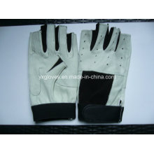 Половина перчаток-перчаток-перчаток-перчаток-перчаток-перчатка-перчатка-перчатки