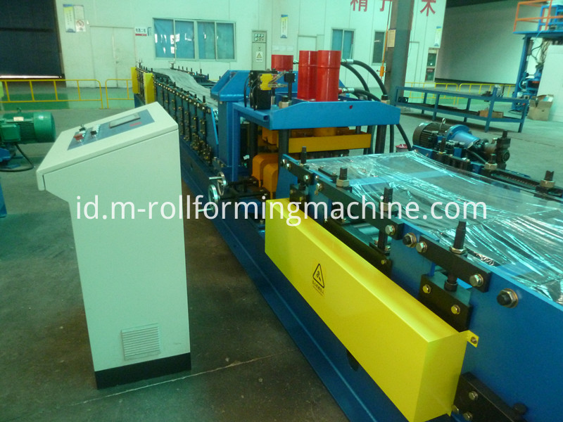 Steel wall panel roll former making machine