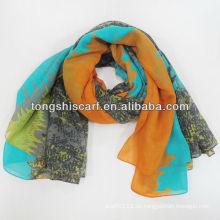 Kalte Schal des neuen Modewinters
