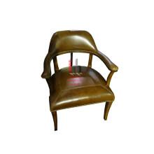 Chaise de cuir