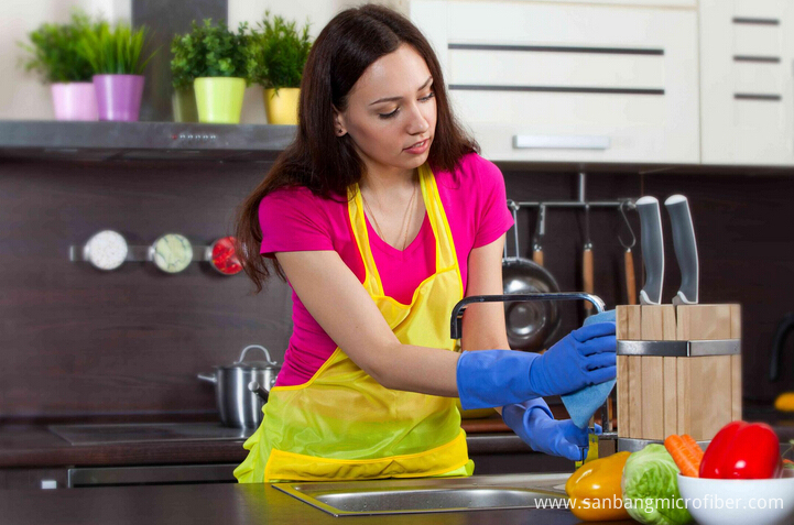 do Kitchen Cleaning