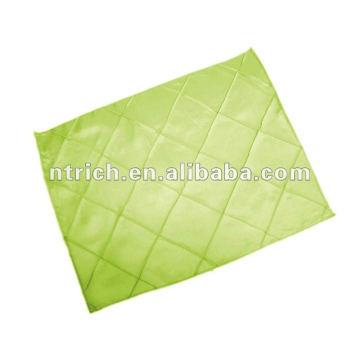 Pintuck placemat