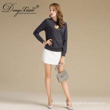 China Factory Sales Stickerei Frauen Merino Wolle Pullover Pullover mit Tier