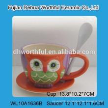 Taza de café de cerámica de diseño fabuloso y platillo conjunto con pintura de búho