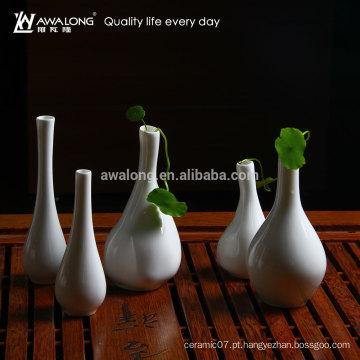 O potenciômetro de flor cerâmico da porcelana do receptáculo da flor do projeto novo da venda quente está projetos