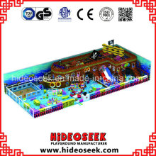 Equipamento interno do campo de jogos das crianças do navio de pirata para o centro recreativo