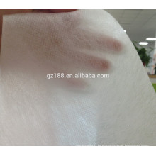 3.2m largeur PP, PLA non-tissé fournisseur de tissu pour la densité la plus basse Spunlace non-tissé rouleaux avec ouverture