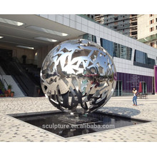 Sculpture urbaine sphère creuse en acier inoxydable