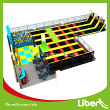 Large Inside Trampoline Center para adultos