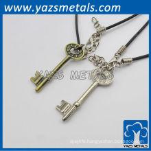 customized metal key shape love pendants