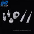Piezas de cerámica industriales a medida blancas.