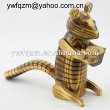 écureuil de sculpture sur bois