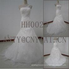 HH0023 одно плечо свадебное платье из органзы оборками юбка
