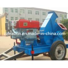 Máquina de astilladora de madera con motor diesel móvil