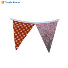 drapeaux de polyester en gros triangle forme de triangle