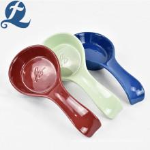 Conjunto de cuchara de cerámica de gres colorido de precio al por mayor de alta calidad