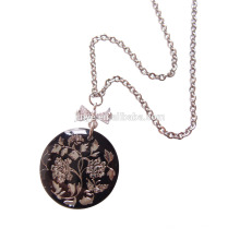 Collier pendentif fleur de coquille de mode noir