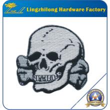 Sew-on crea el remiendo del bordado del cráneo
