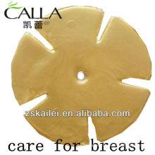 Levantamiento y cuidado firme de la mama
