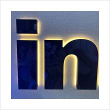 Customized Business Outdoor 3D Stainless Steel Backlit LED Letter Signs Custom Business Signs LED Signage
