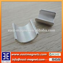 N50 imán sinterizado de la galjanoplastia del níquel del imán del motor del neodimio / de la forma del arco para la venta