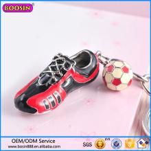 Fábrica al por mayor de calzado deportivo y llaveros con encanto de fútbol # 15066