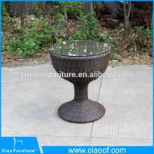 Table basse ronde extérieure moderne avec verre sur le dessus