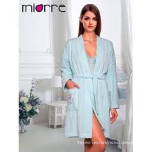Miorre OEM Venta al por mayor de la ropa de dormir de las mujeres Robe% 100 Microplyester Polar Tela