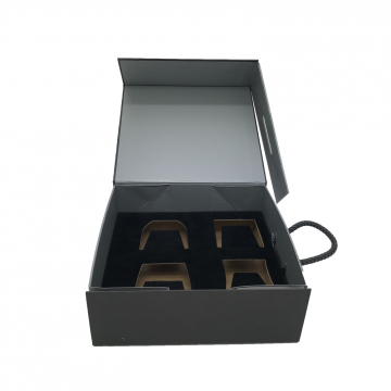 Portable paper box with handle